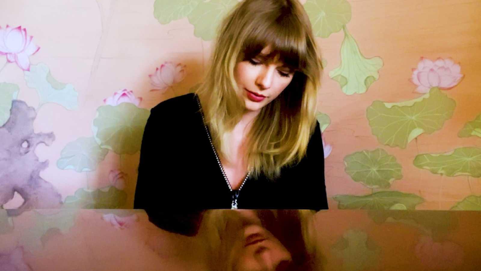 Taylor Swift debuta en el número 1 en  las listas 'Hot 100' y 'Billboard 200'