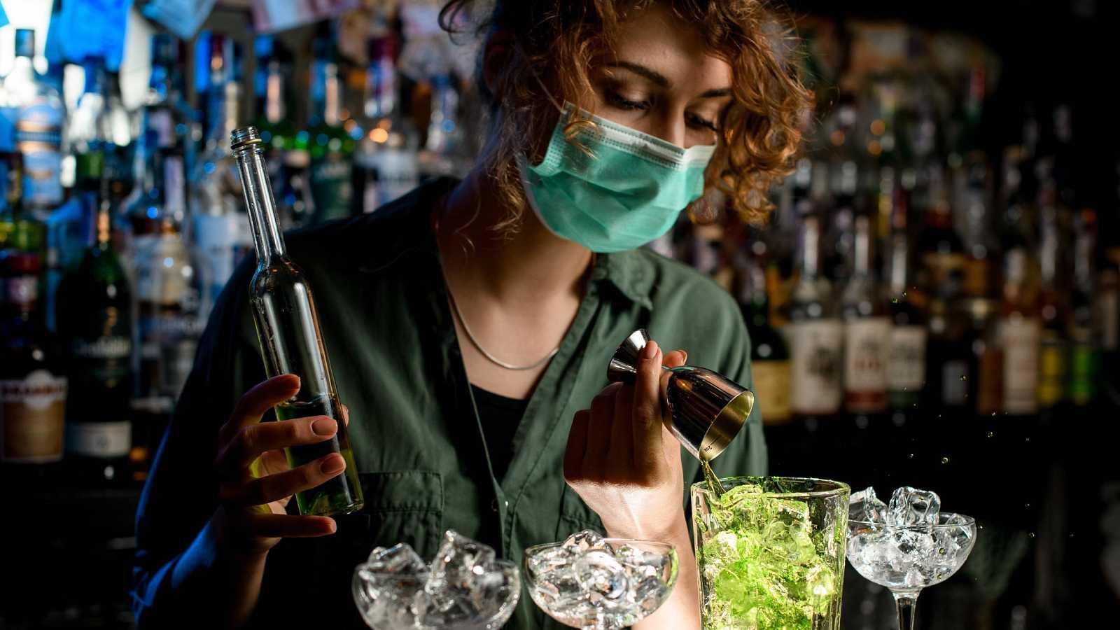 Los locales de ocio nocturno de Madrid cierran este fin de semana para protestar por las medidas contra el coronavirus