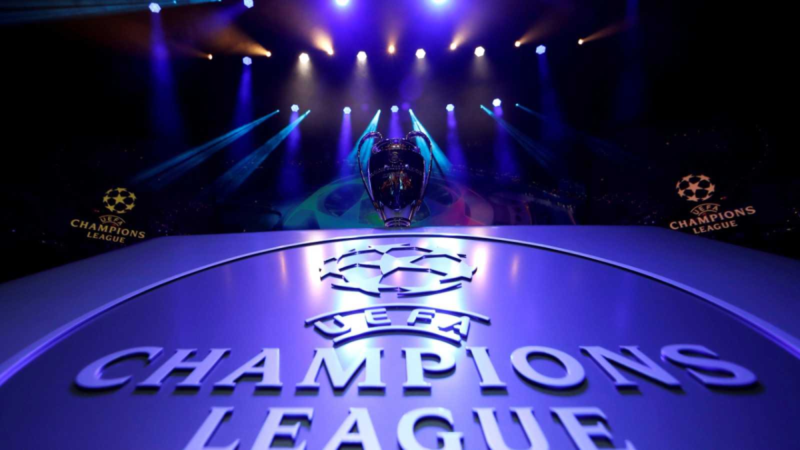 Imagen: El trofeo de la UEFA Champions League