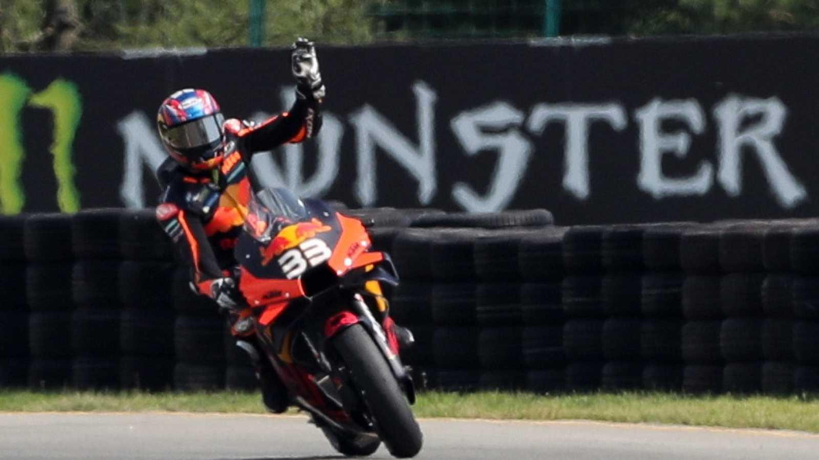 Imagen: Brad Binder celebra su primera victoria en MotoGP