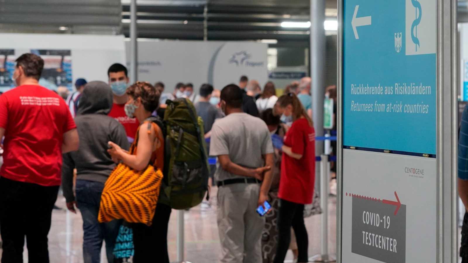 Zona de PCR para los viajeros que regresen a Alemania en el aeropuerto de Frankfurt