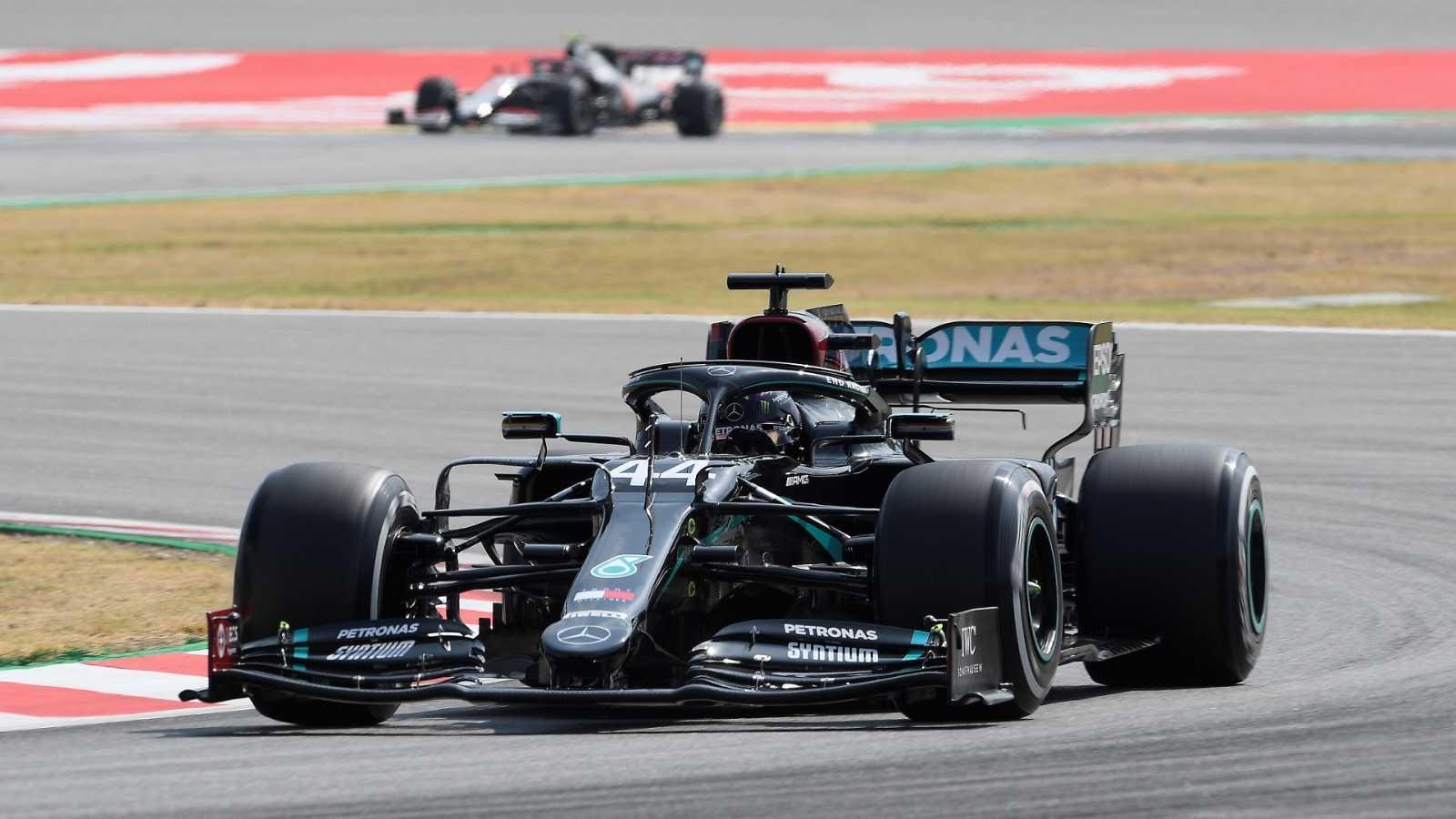 Bottas y Hamilton se ponen al frente en los Libres de F1