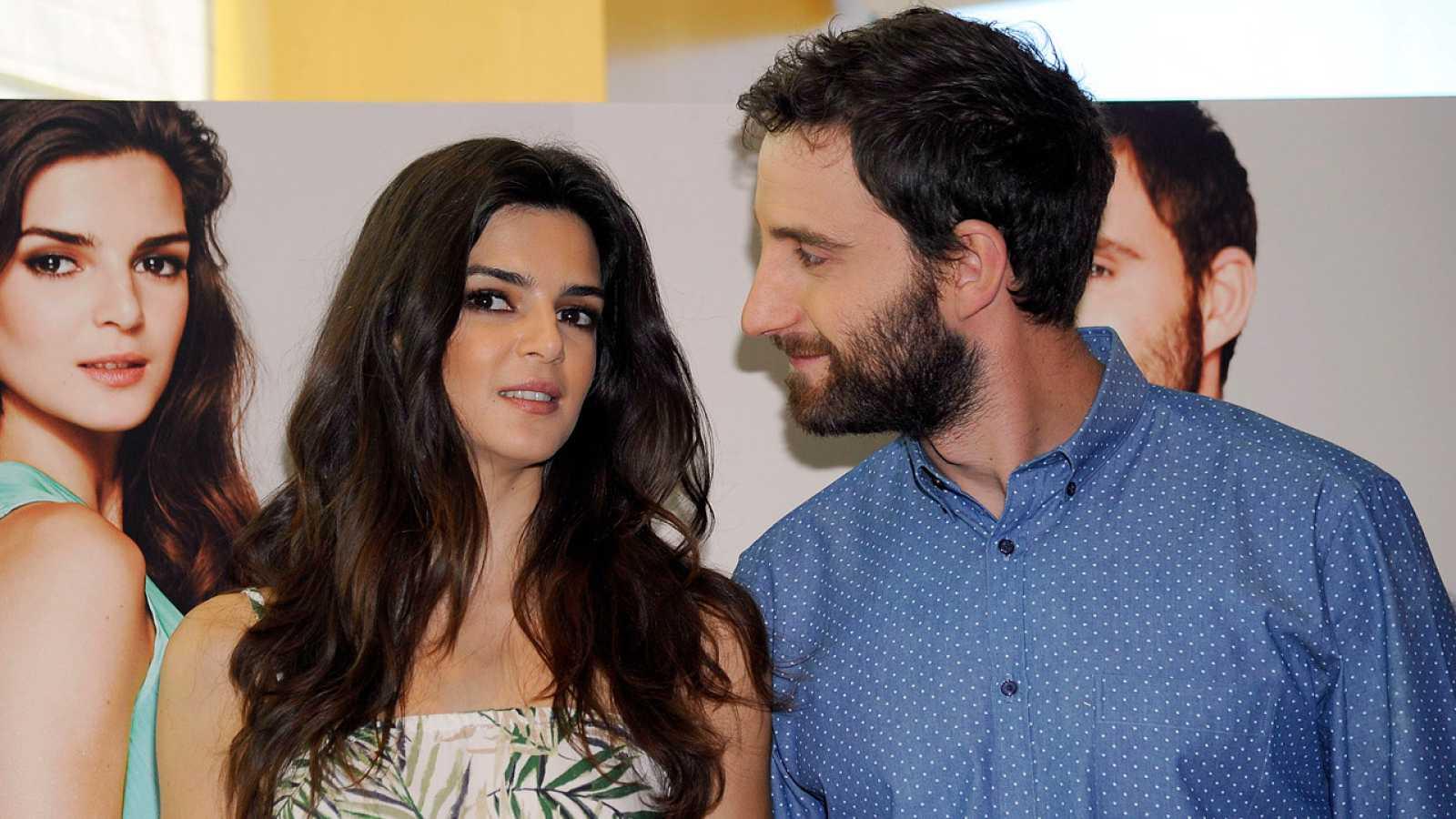 La actriz Clara Lago junto a su compañero, Dani Rovira