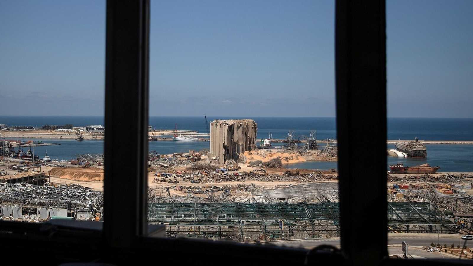 Vistas del puerto de Beirut tras la explosión del 4 de agosto