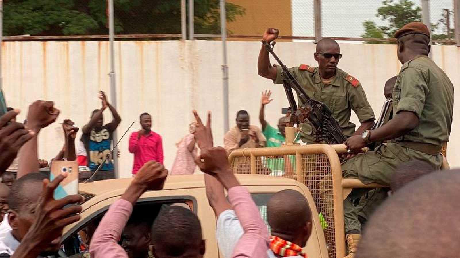 El primer ministro Boubou Cisse había llamado a los militares al diálogo