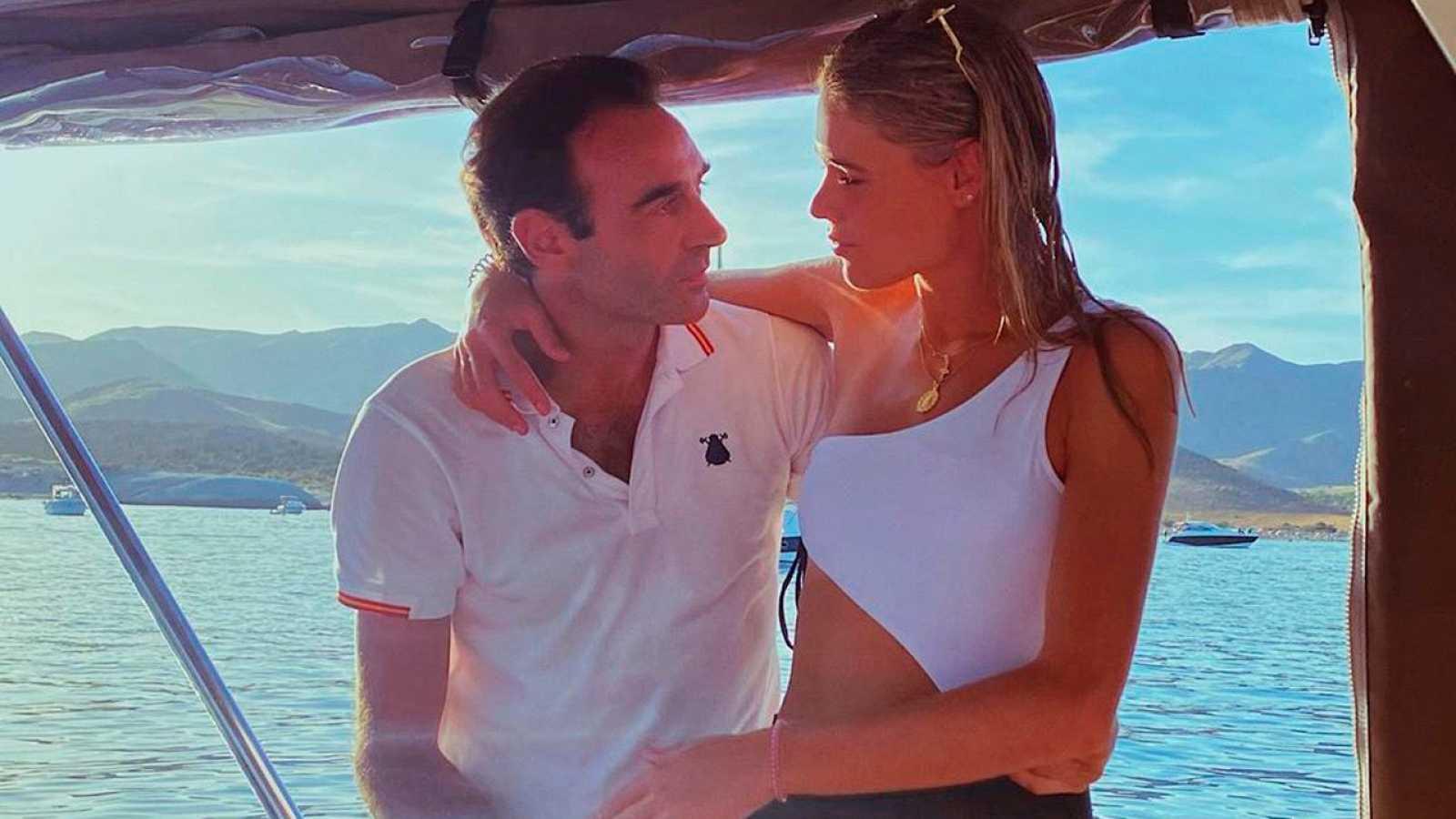 Enrique Ponce y Ana Soria derrochan amor en alta mar