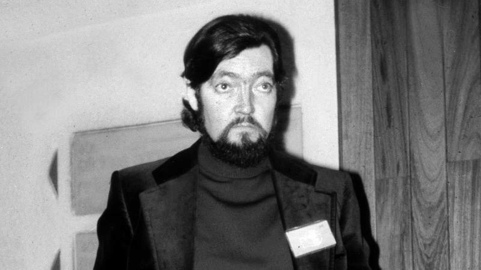 Retrato del escritor Julio Cortázar en 1975.