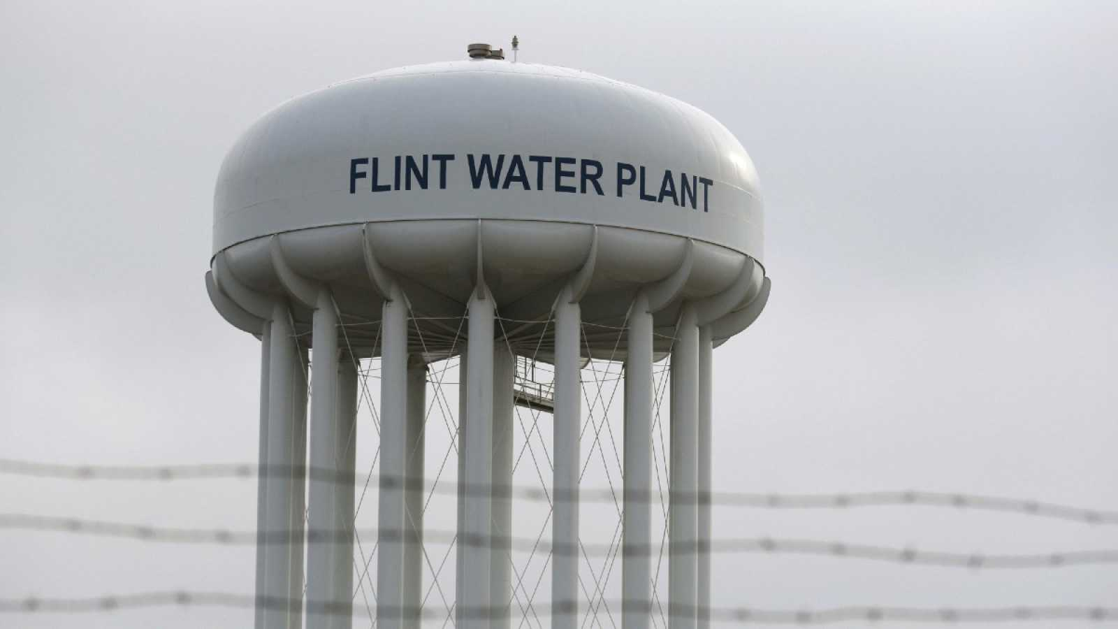 El depósito de almacenamiento de agua en Flint, Michigan, Estados Unidos, escenario del escándalo por contaminación con plomo