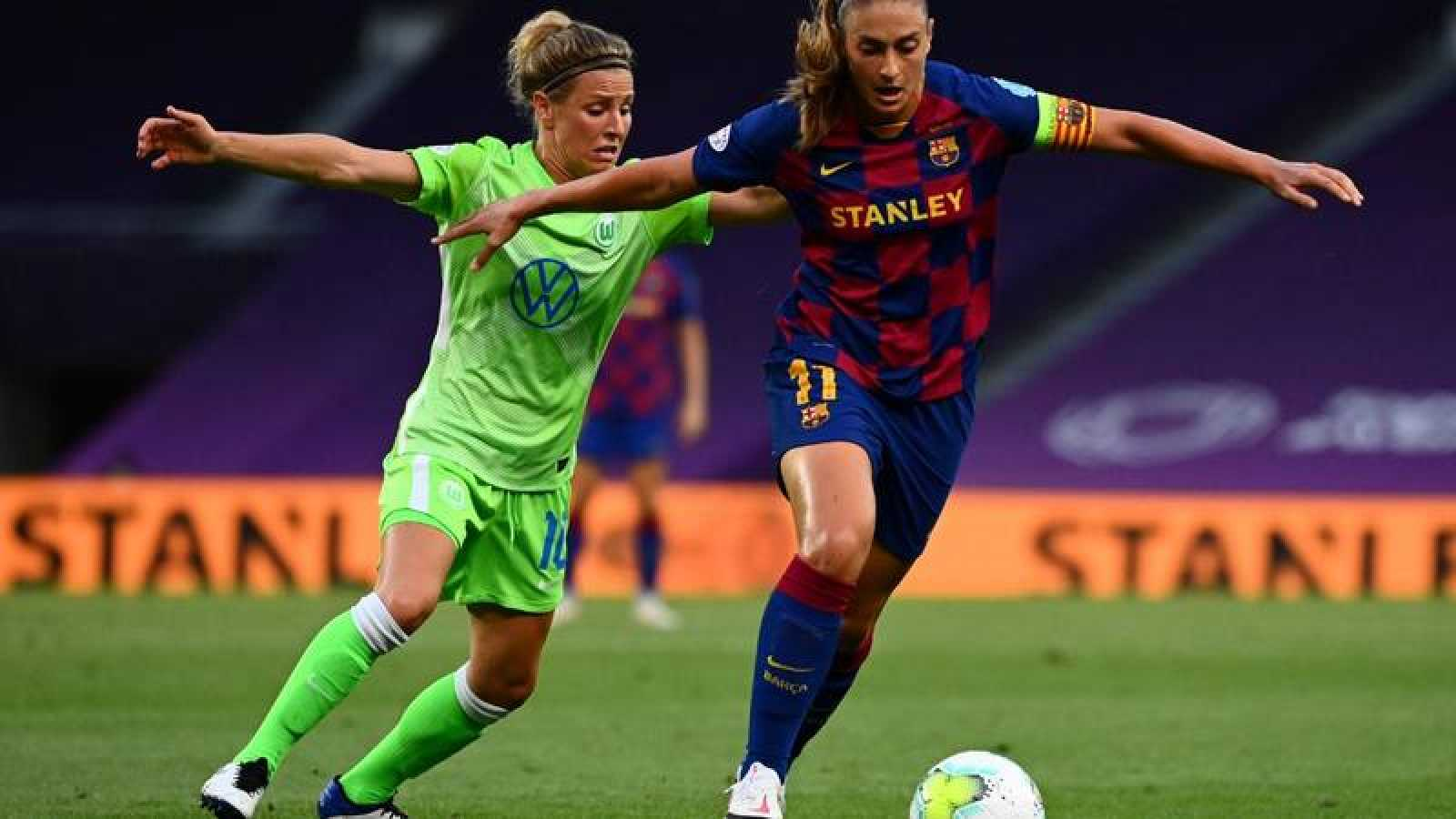 Imagen del encuentro entre el Wolfsburgo y el FC Barcelona disputado en el Estadio de Anoeta.