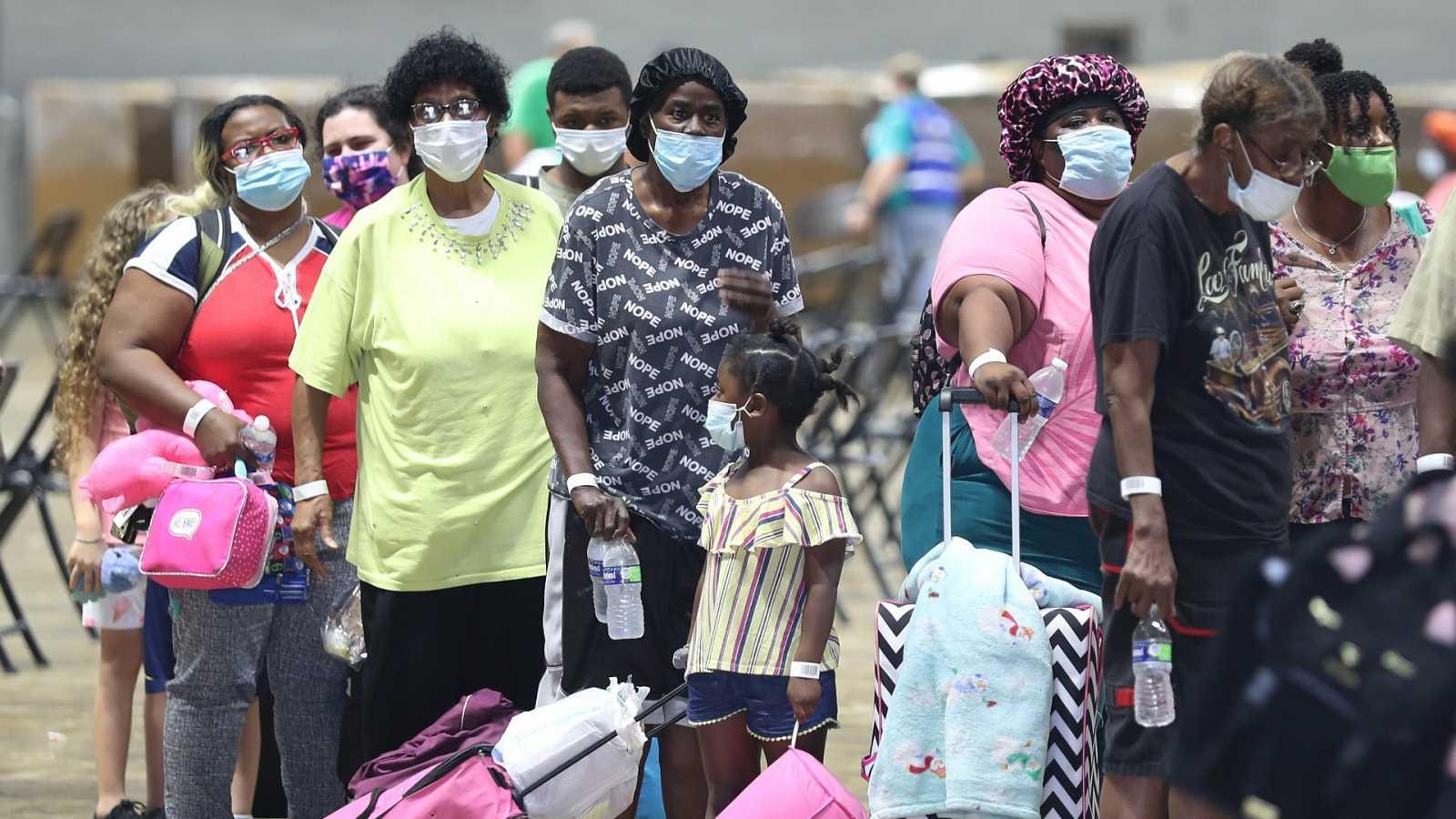 Ciudadanos evacuados de Lake Charles (Luisiana) por el huracán Laura