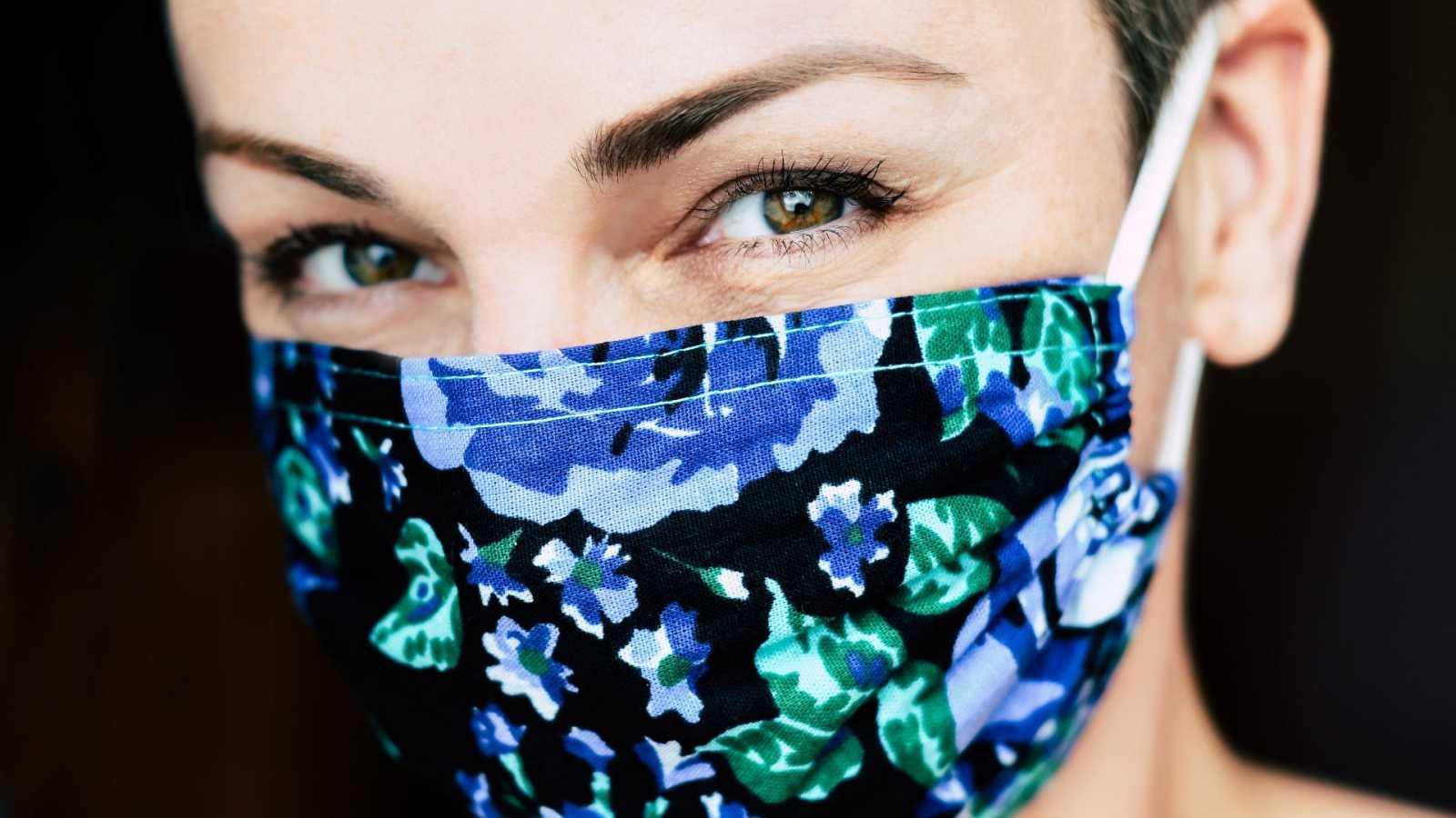 Las mascarillas protegen nuestra salud y la de los demás pero también pueden tener efectos adversos en nuestra piel si no la cuidamos