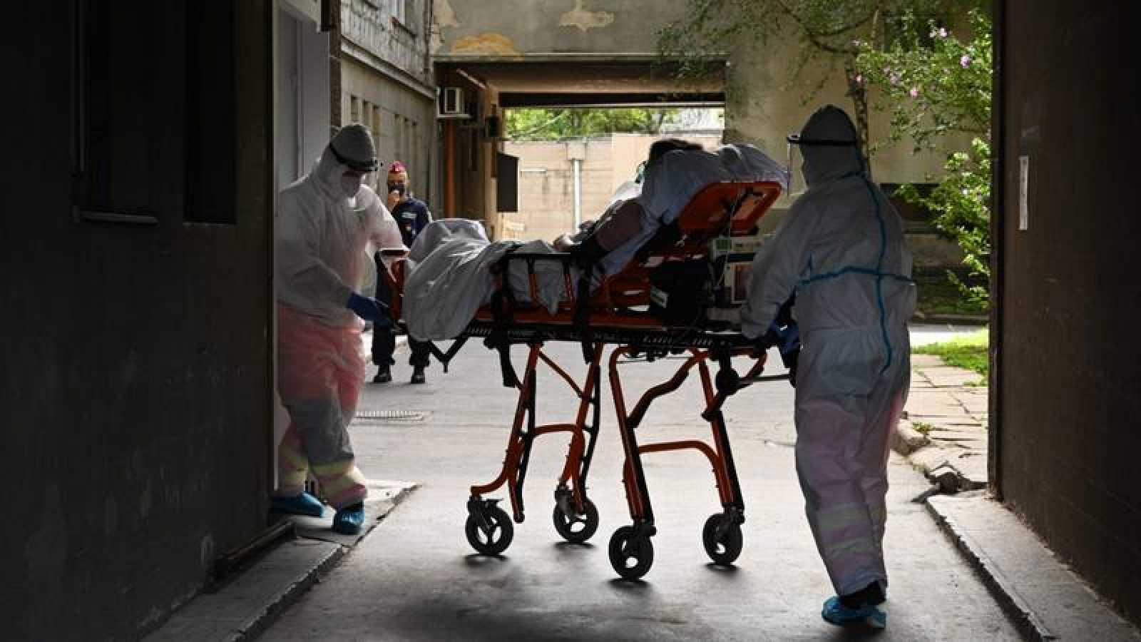 Simulacro de emergencia sanitaria en el hospital Kutvolgyi de Budapest
