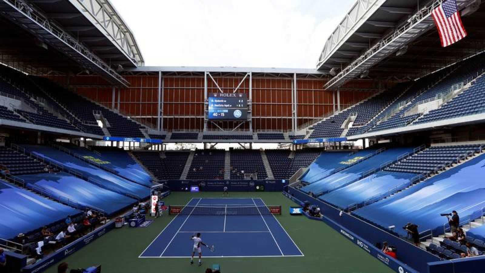 Imagen del encuentro entre Novak Djokovic y Roberto Bautista en el Masters 1000 de Cincinnati.