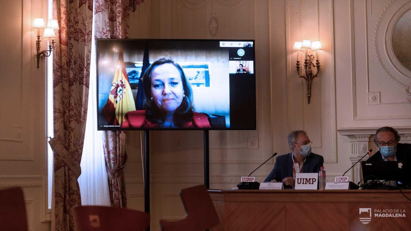 Calviño participa por videoconferencia en un curso de la UIMP