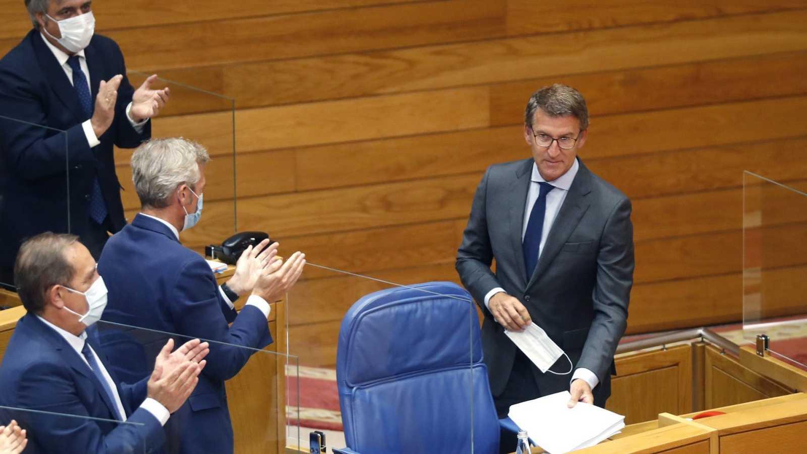 El presidente de la Xunta en funciones, Alberto Núñez Feijóo, tras su intervención en el pleno de investidura
