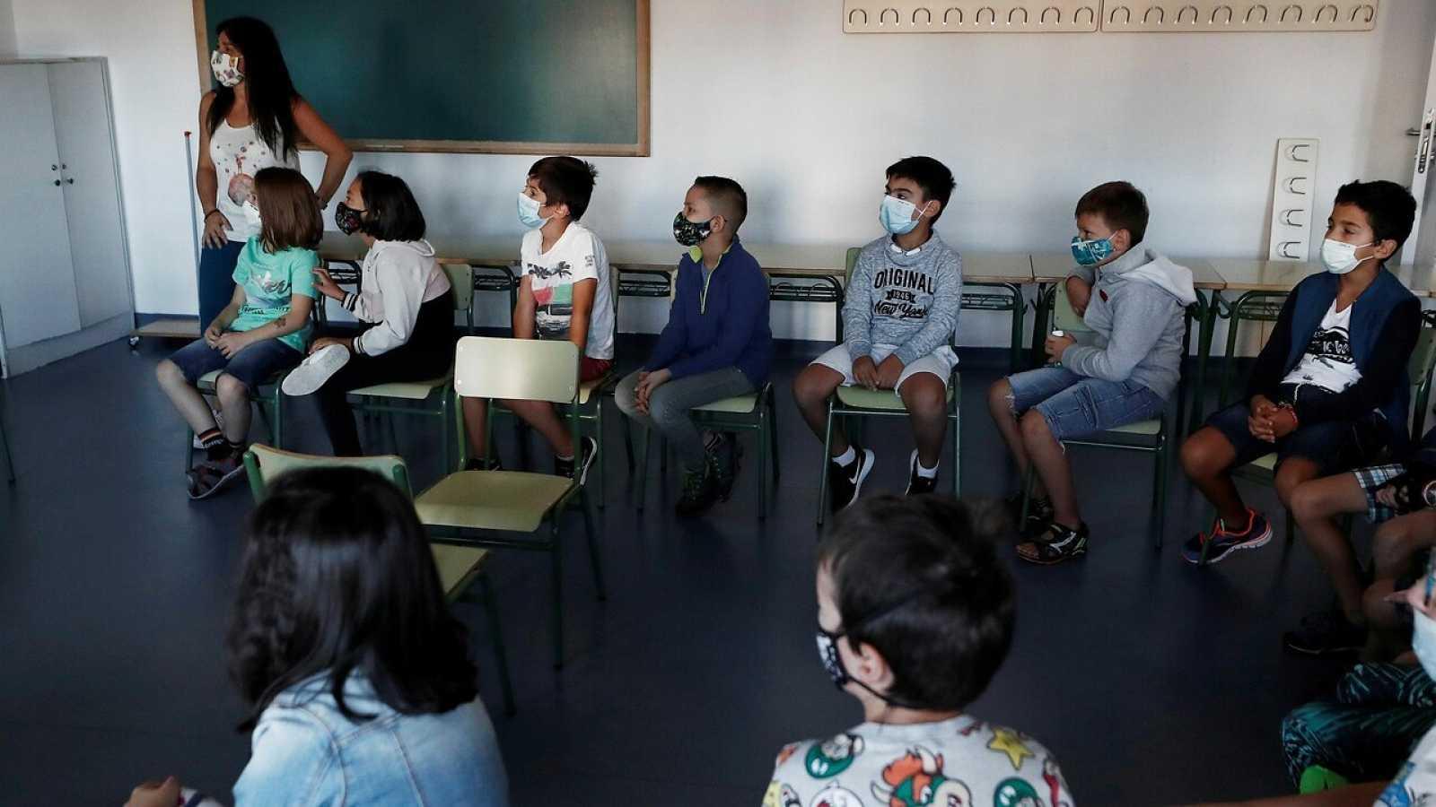 Vuelta al cole en un colegio de Navarra. EFE/ Jesús Diges