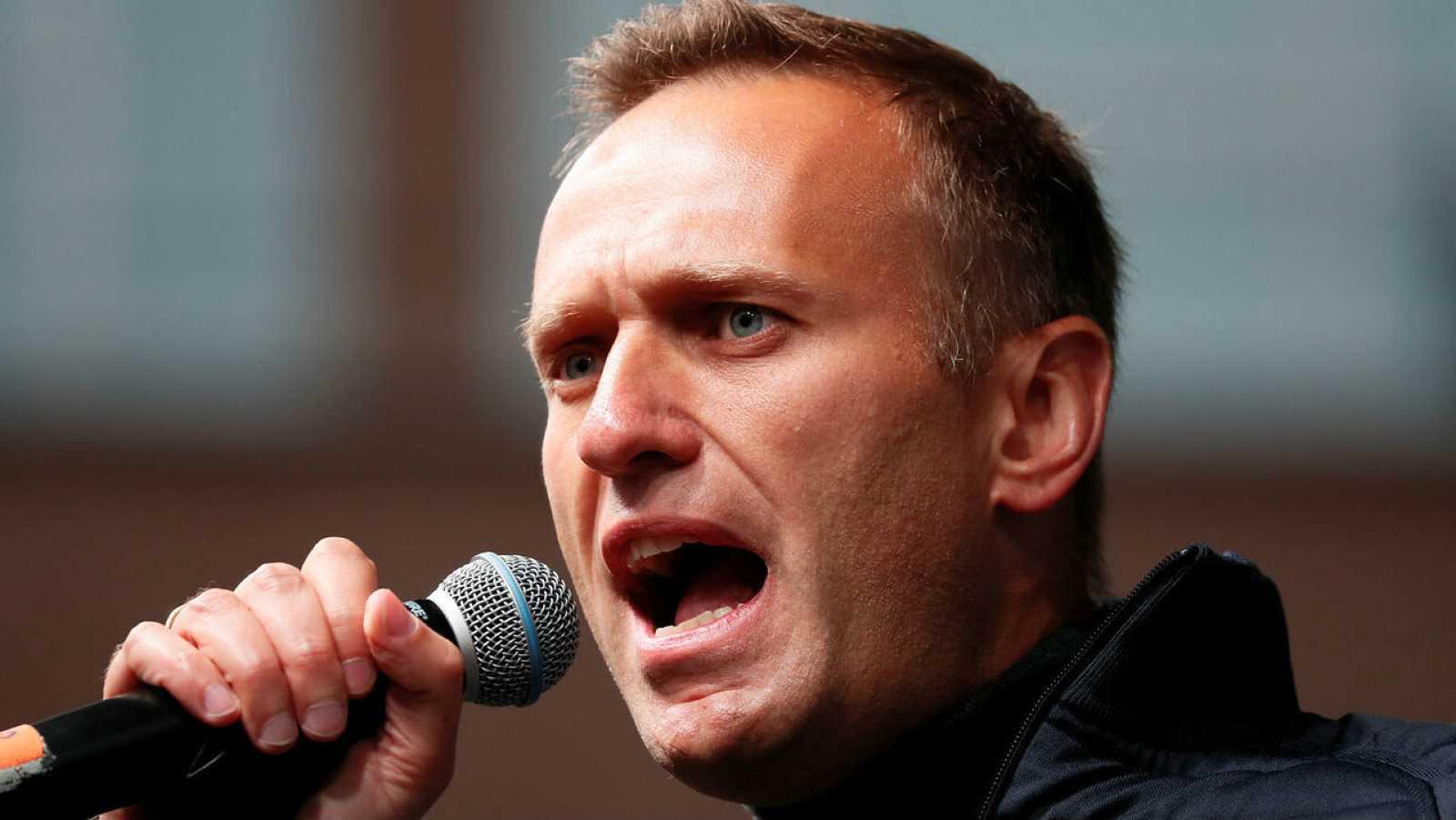 El líder opositor rusa, Alexei Navalny, pronuncia un discurso durante una manifestación en Moscú, Rusia.
