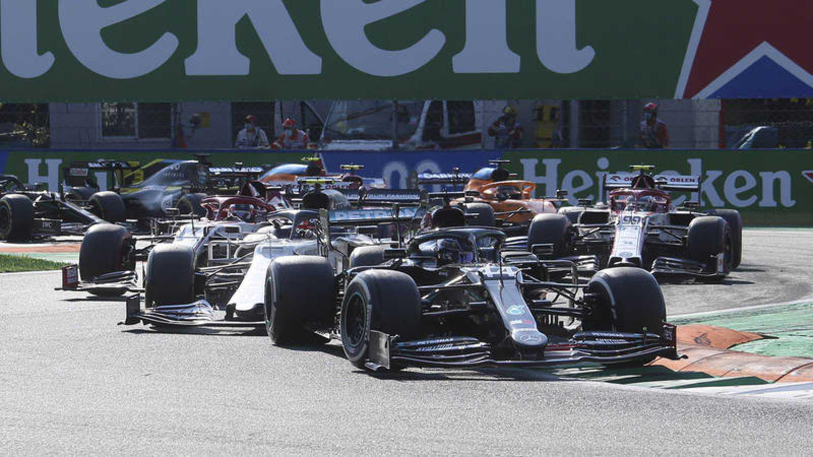 Imagen del pasado GP de Italia, con Hamilton por delante.