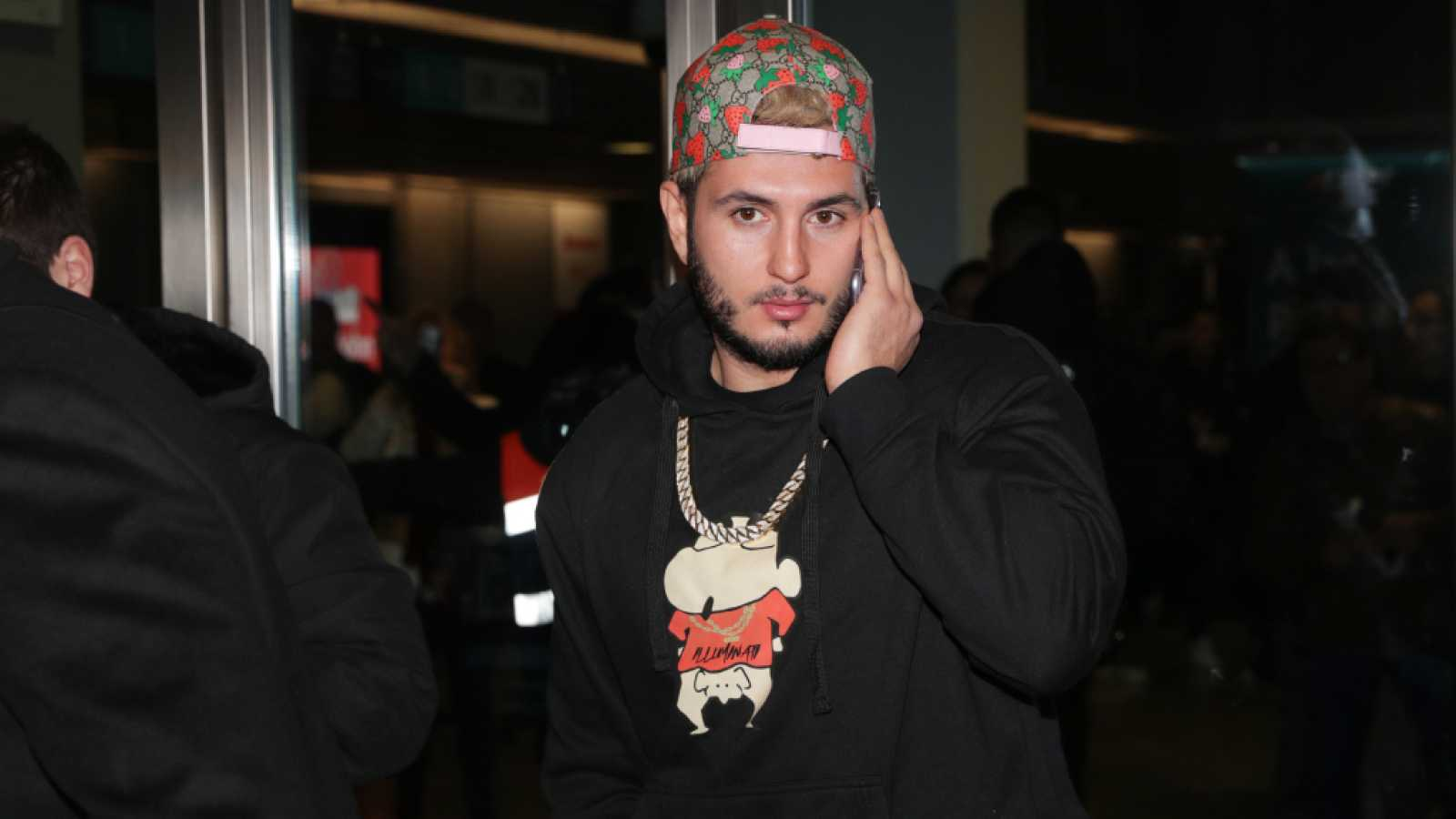 Omar Montes desvela los detalles tras la supuesta pelea callejera junto a Rvfv