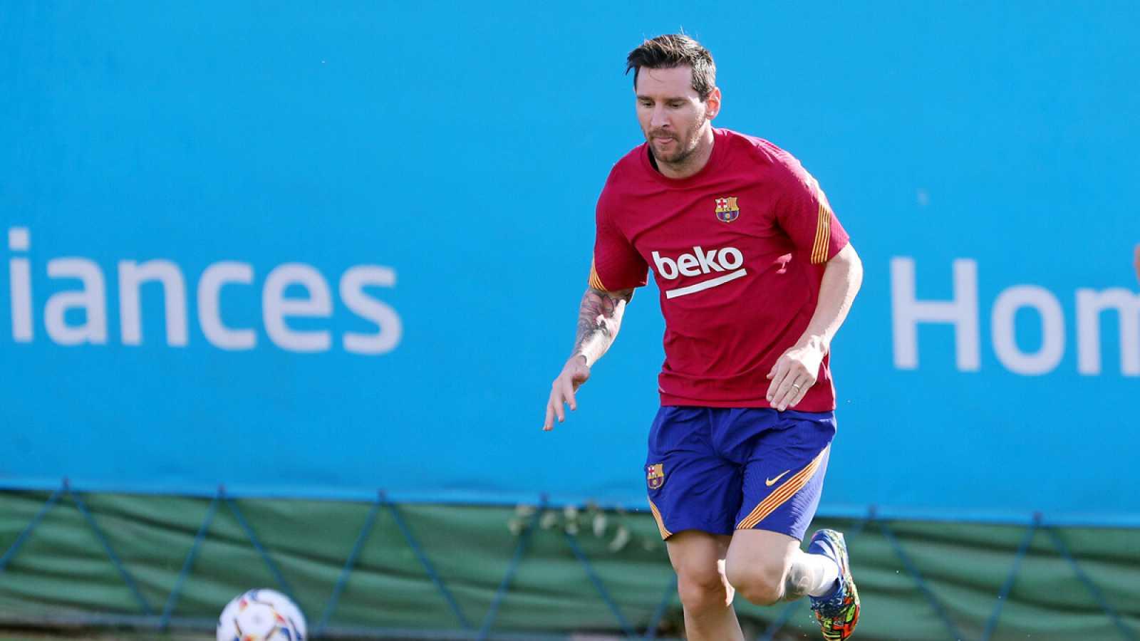 Imagen: Lionel Messi entrena con el FC Barcelona