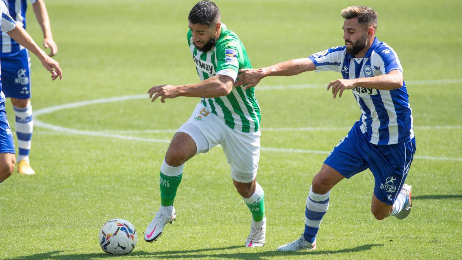 Imagen: Fekir, eliminando rivales en su partido contra el Alavés