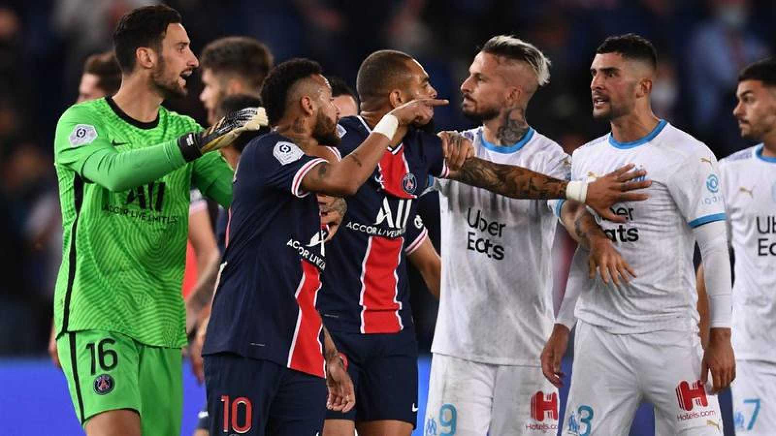 Imagen de la trifulca del encuentro entre PSG y  Olympique de Marsella.