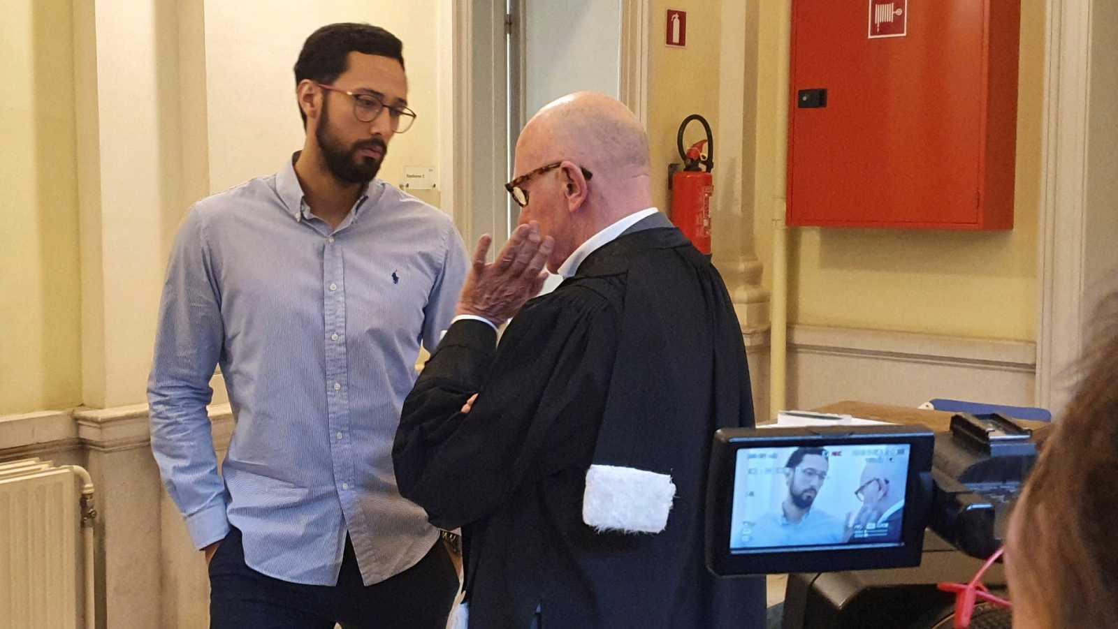 El rapero Valtònyc con su abogado
