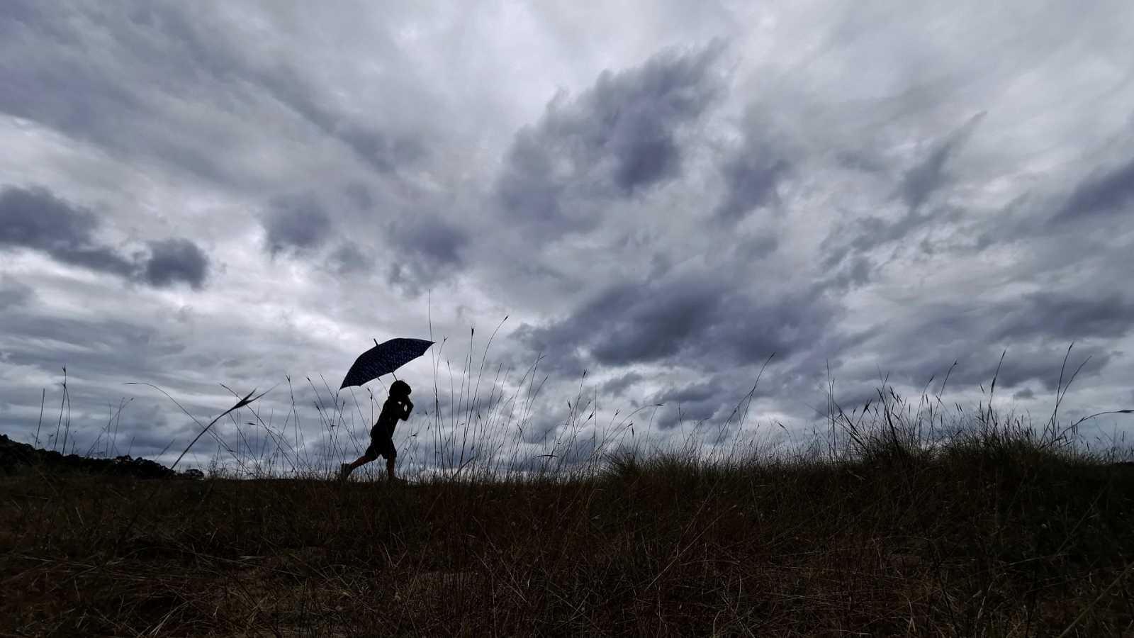 El verano se despide con una borrasca que dejará desde hoy lluvias muy abundantes hasta el lunes