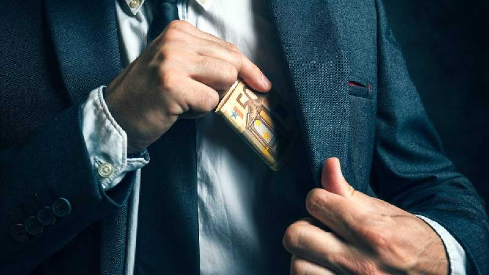 La corrupción y el fraude figura en el último barómetro del CIS como cuarta principal preocupación ciudadana