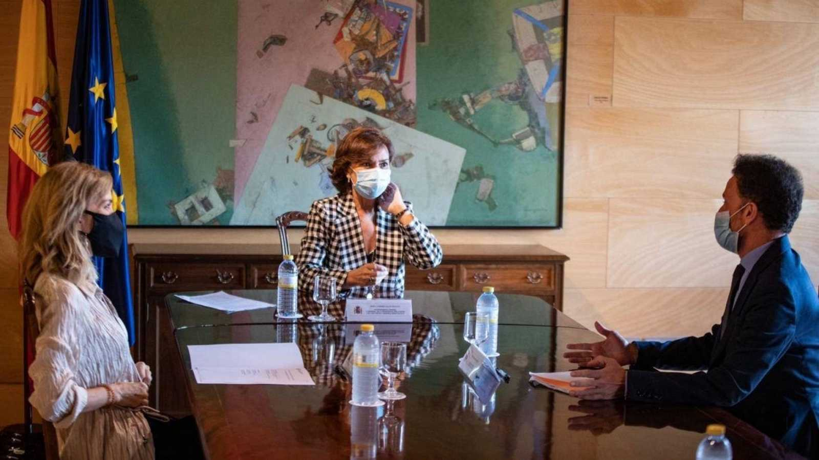 El portavoz adjunto de Ciudadanos, Edmundo Bal, durante su encuentro con la vicepresidenta primera del Gobierno, Carmen Calvo, este jueves