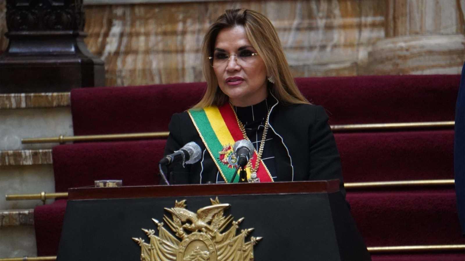 La presidenta interina de Bolivia, Jeanine Áñez, se retira de la carrera  electoral - RTVE.es