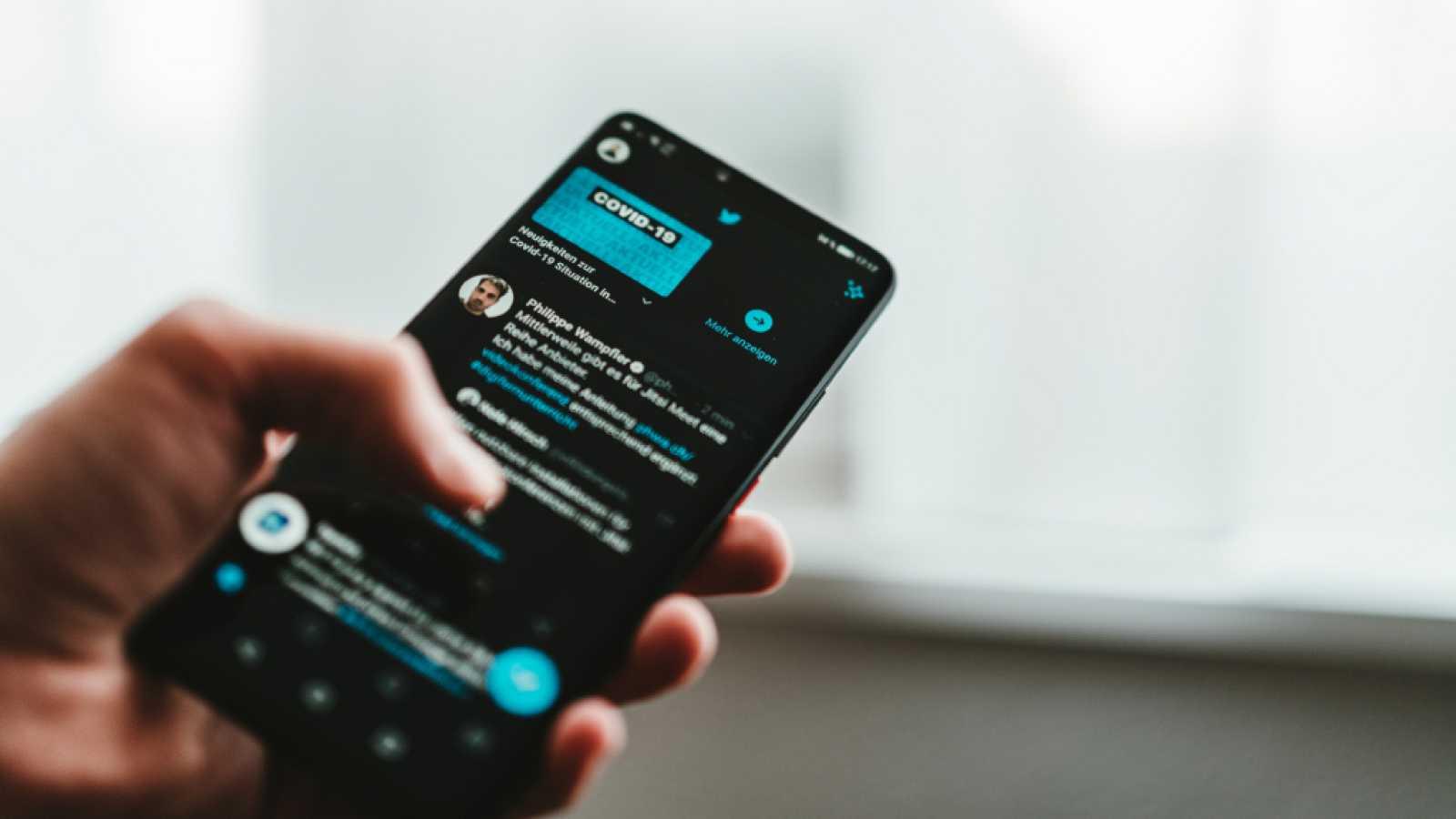 Así es el último experimento que triunfa en Twitter: ¿es racista la IA?
