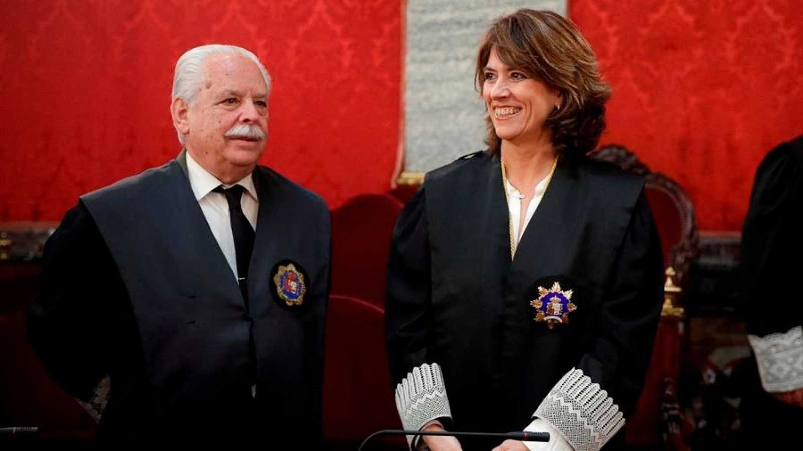 La fiscal general del Estado, Dolores Delgado (d), y el fiscal Luis Navajas Ramos.