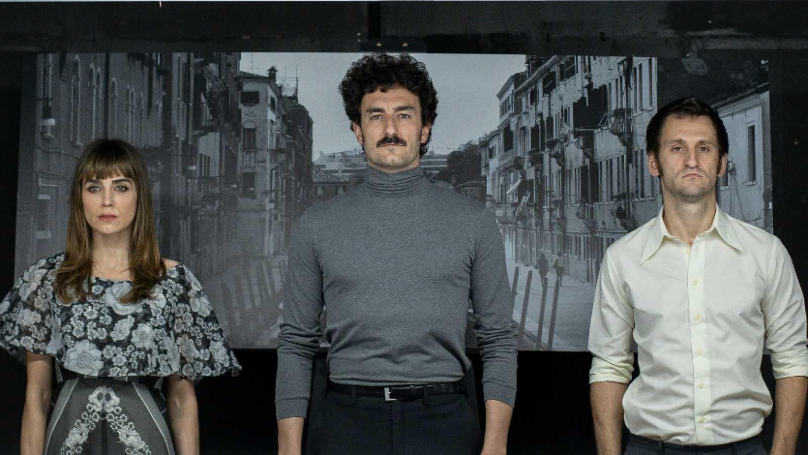 Irene Arcos, Miki Esparbé y Raúl Arévalo protagonizan 'Traición' en el Pavón Teatro Kamikaze