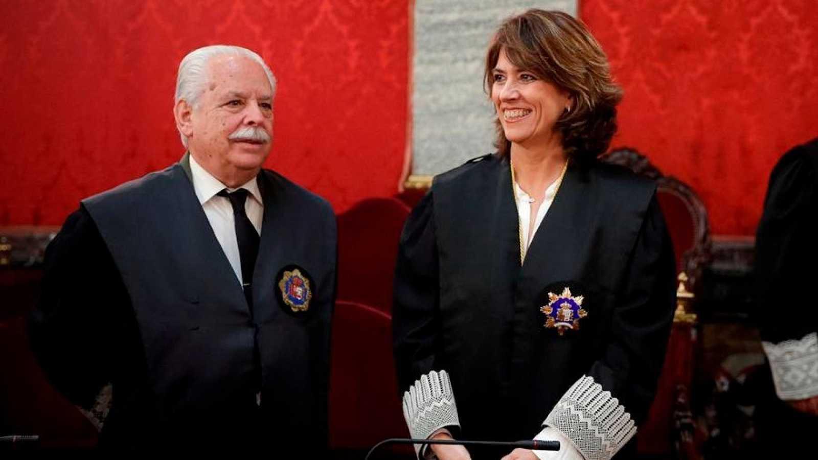 La fiscal general del Estado, Dolores Delgado (d), y el fiscal Luis Navajas Ramos