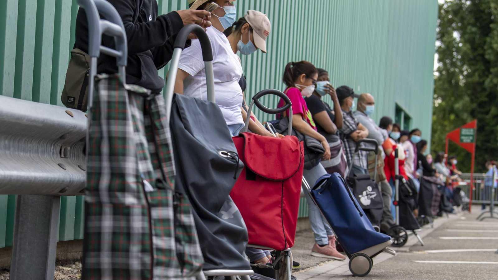 La crisis económica y social que ha desatado la pandemia hace que muchas familias vivan en circunstancias extremas.