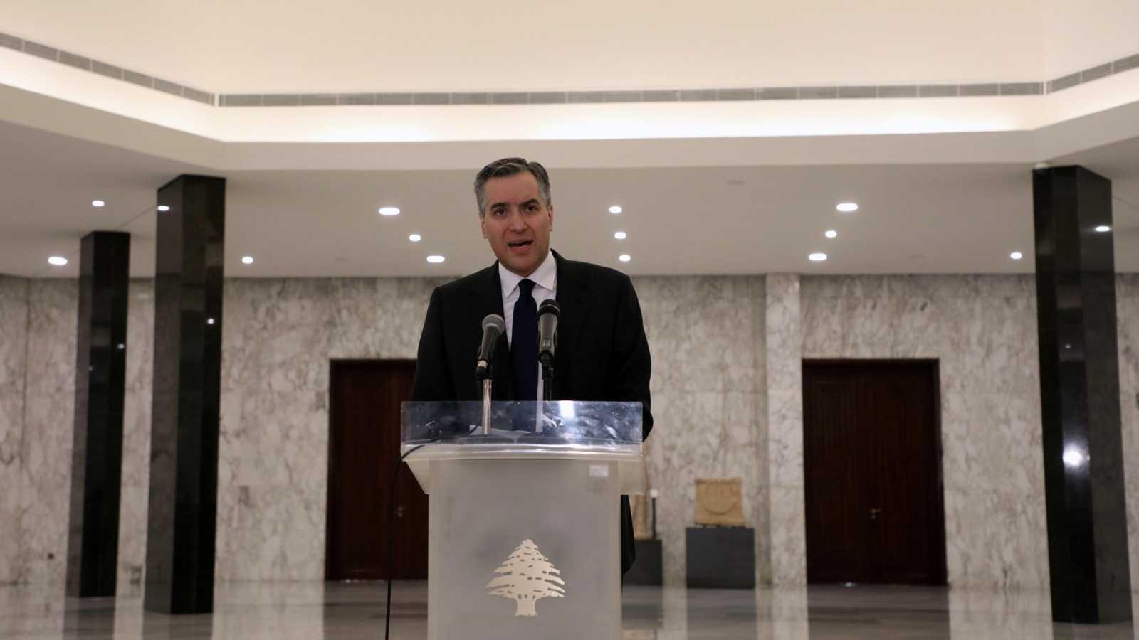 El primer ministro designado del Líbano, Mustafá Adib, comunica su renuncia