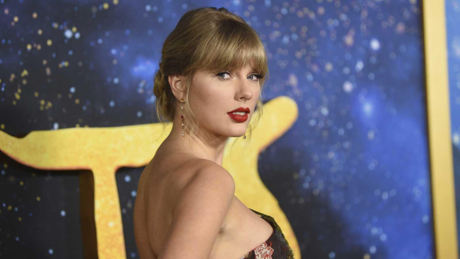Taylor Swift se convierte en la mujer con más números 1 en la 'Billboard 200'