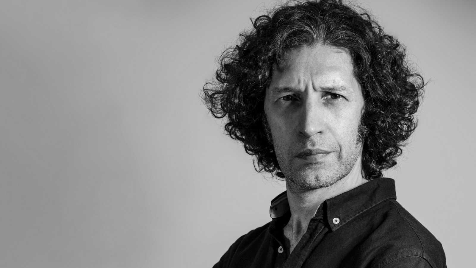 Javier Menéndez Flores, autor de la novela 'Todos nosotros'.