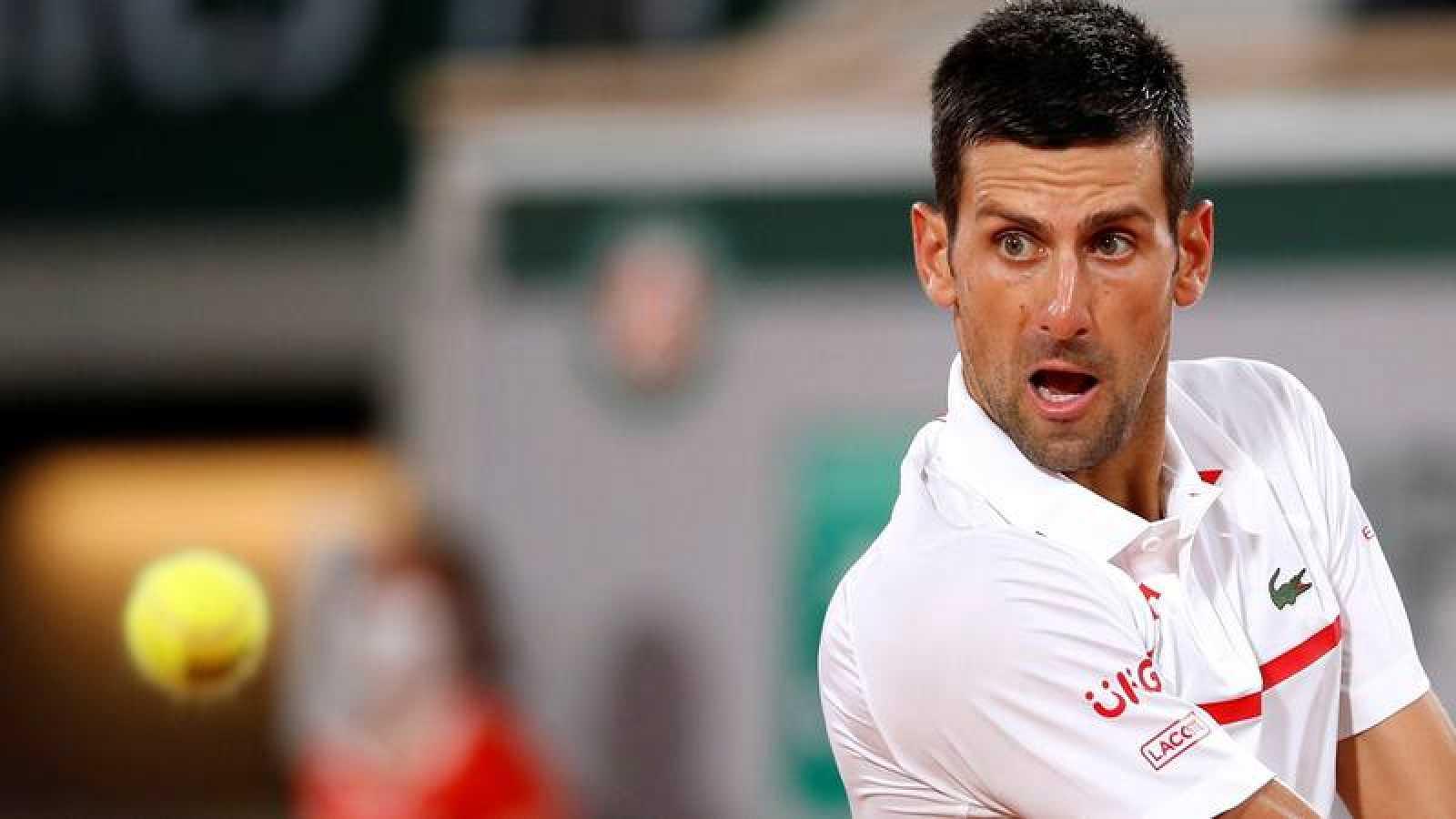 El tenista serbio Novak Djokovic durante su partido ante el sueco Mikael Ymer en Roland Garros.