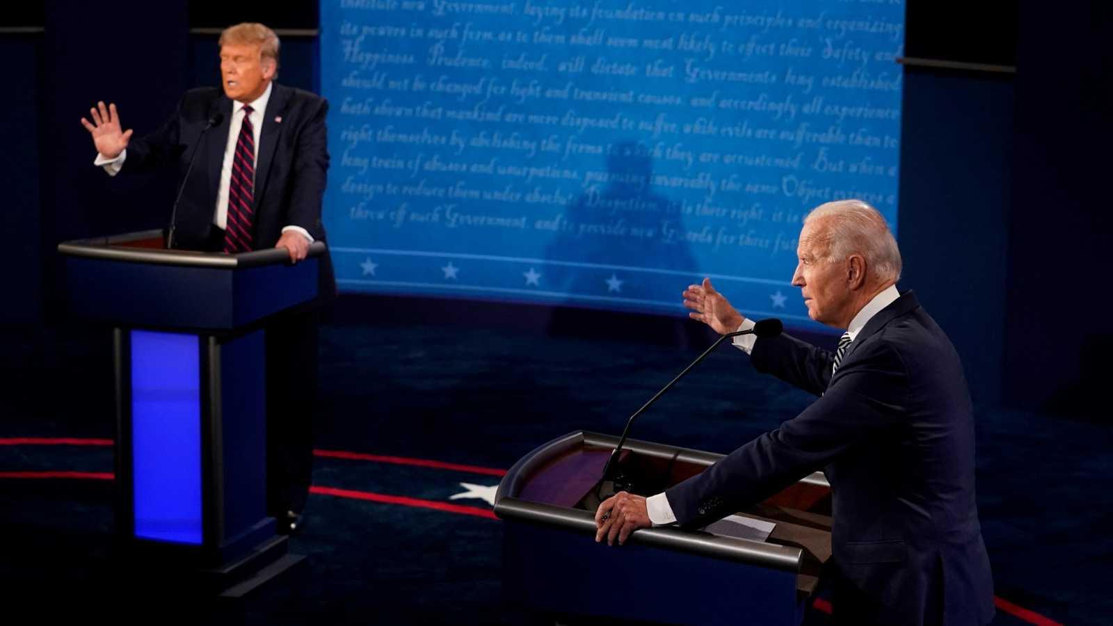 Donald Trump y Joe Biden, durante el primer debate electoral en Cleveland