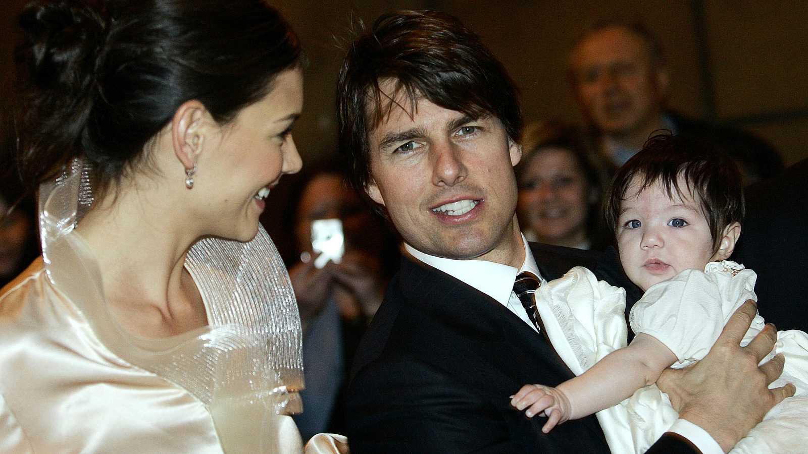 Katie Holmes y Tom Cruise con syu hija Suri en la celebración de su boda en Brescia