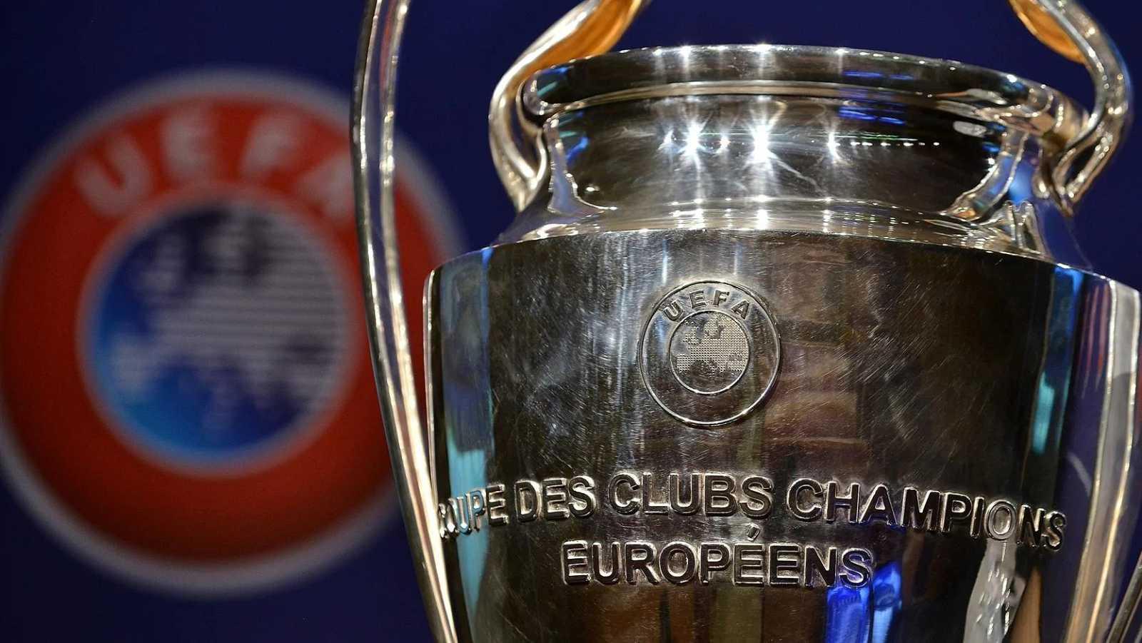 El trofeo de la Champions League, en la sede de la UEFA.