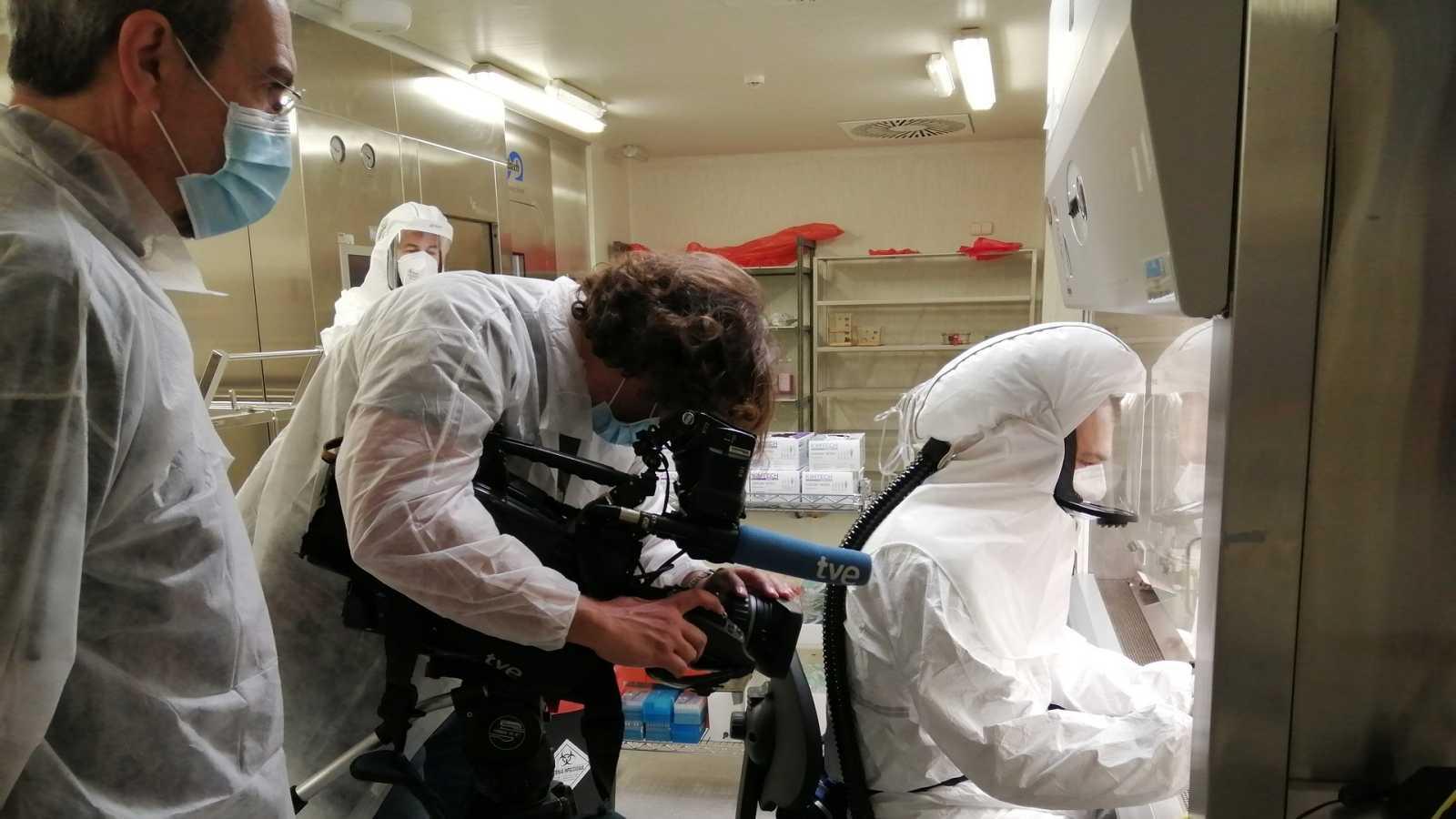 Investigadores en el laboratorio del Centro de biología molecular Severo Ochoa