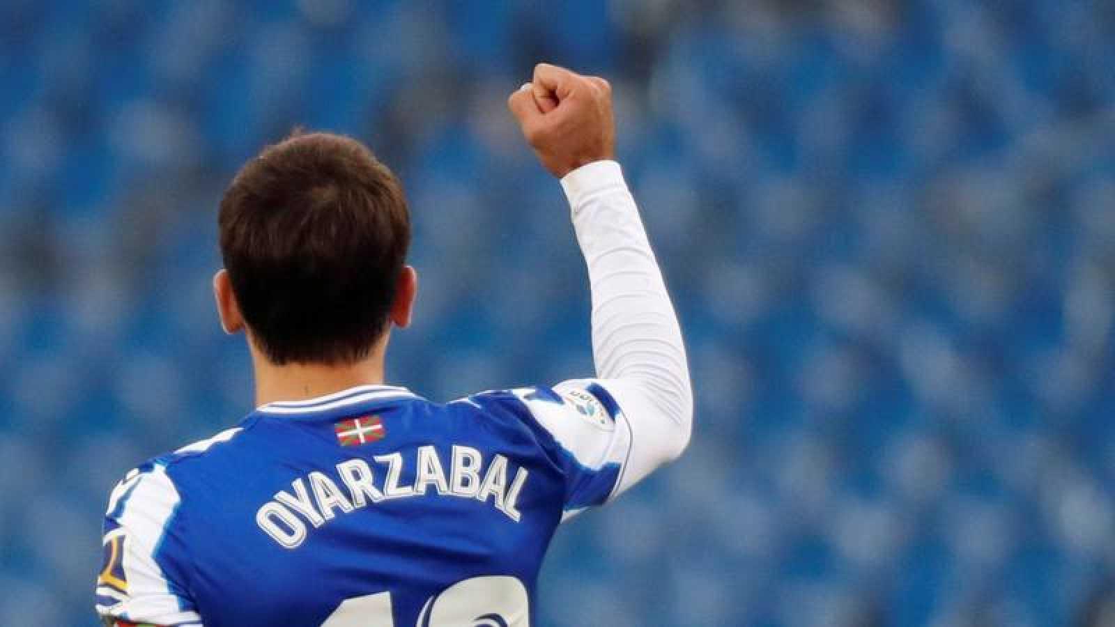 Mikel Oyarzábal celebra el primer tanto de la Real Sociedad ante el Getafe la quinta jornada de la Liga 2020-2021.