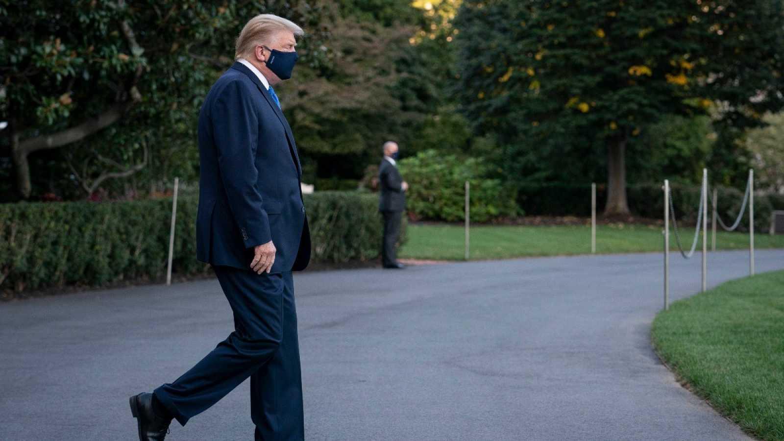 El presidente de Estados Unidos, Donald Trump, con mascarilla.