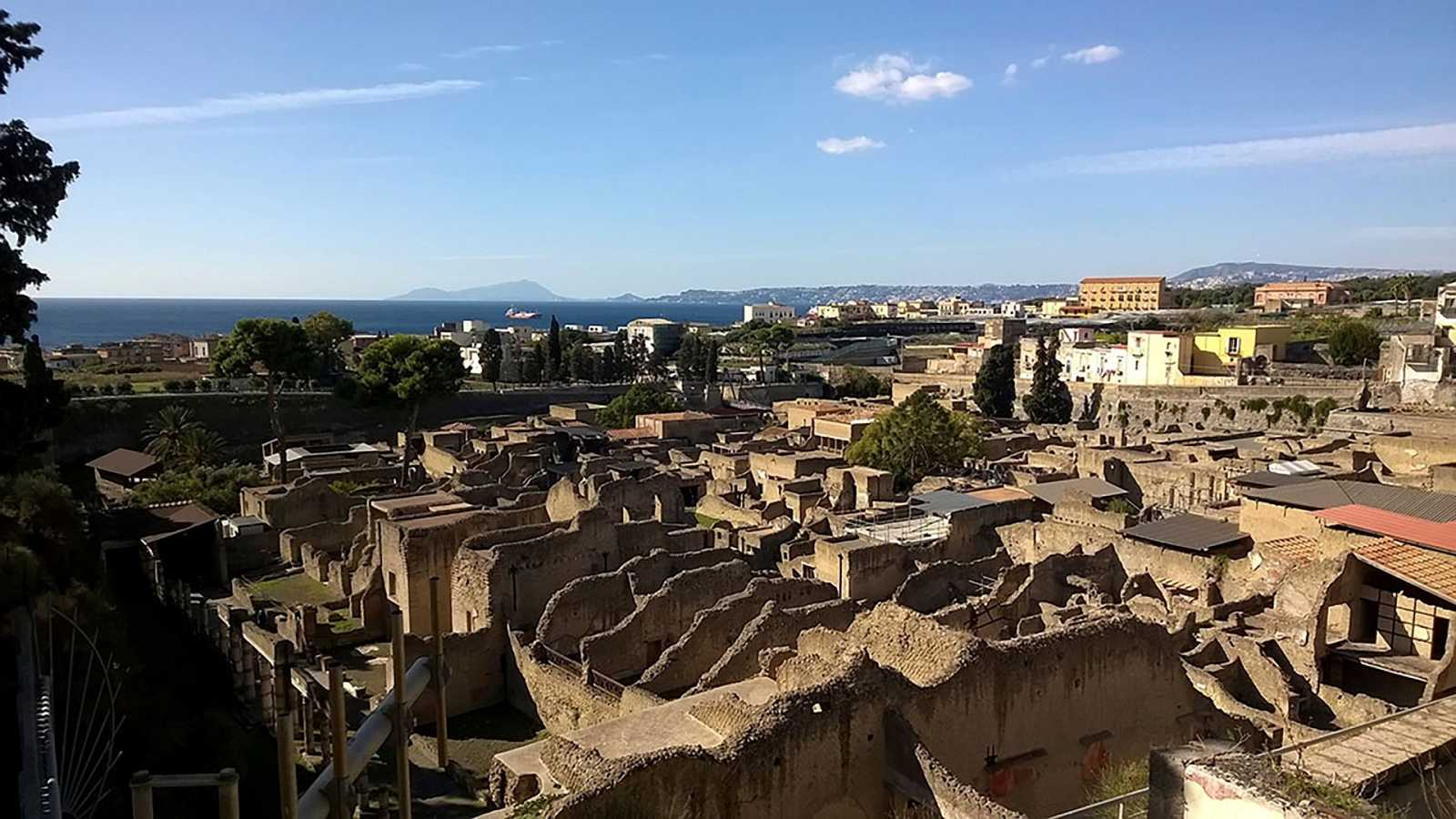 Vista general de Herculano, donde se han descubierto neuronas de una víctima de la erupción del Vesubio, hace más de 2.000 años.