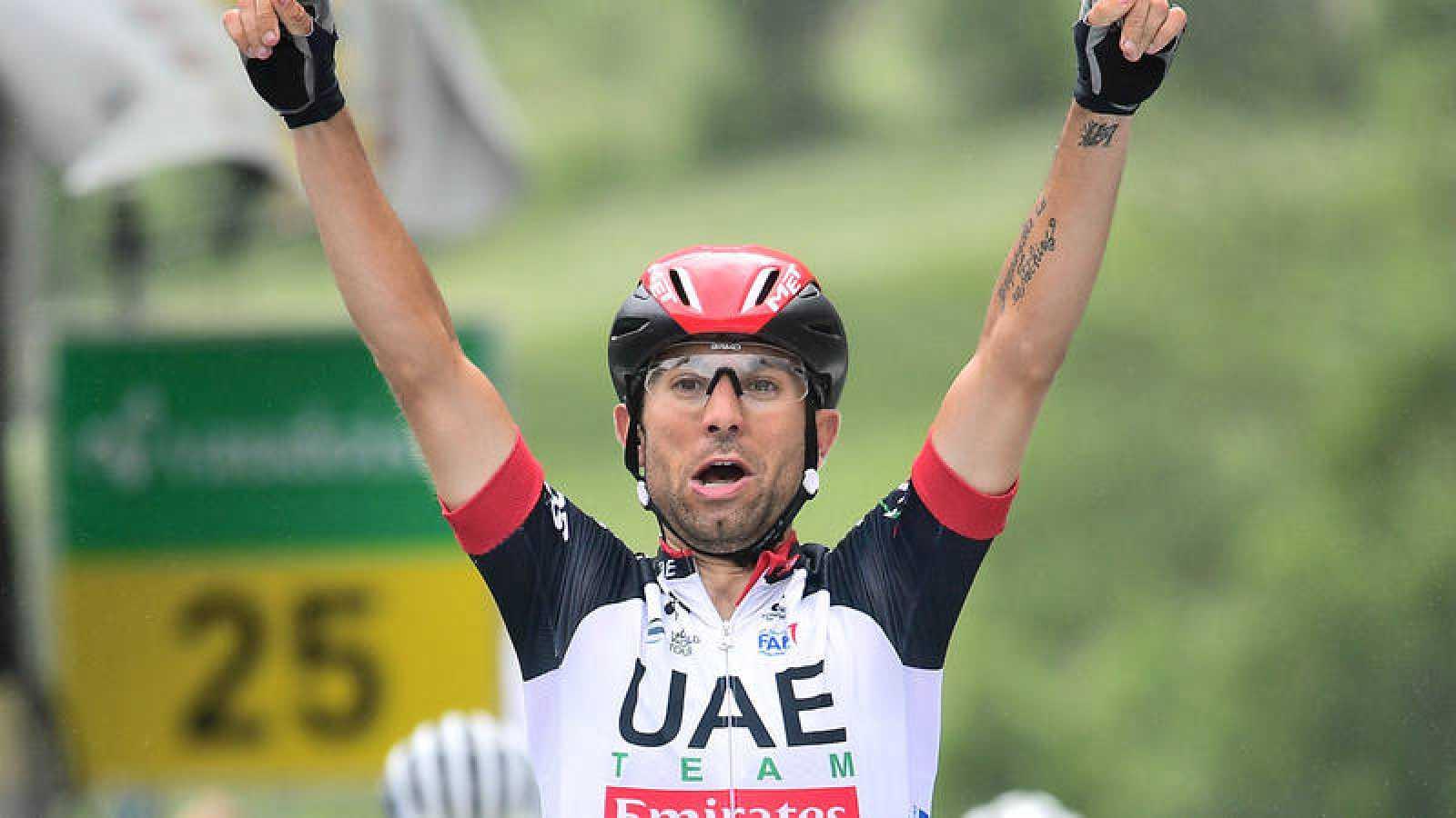Diego Ulissi celebra una victoria
