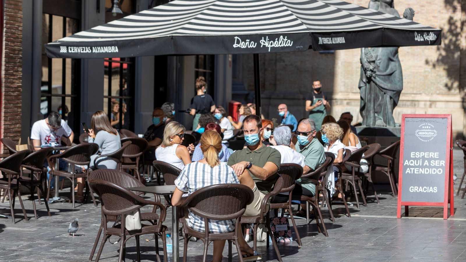 Terraza de un establecimiento en la plaza de San Felipe, en Zaragoza