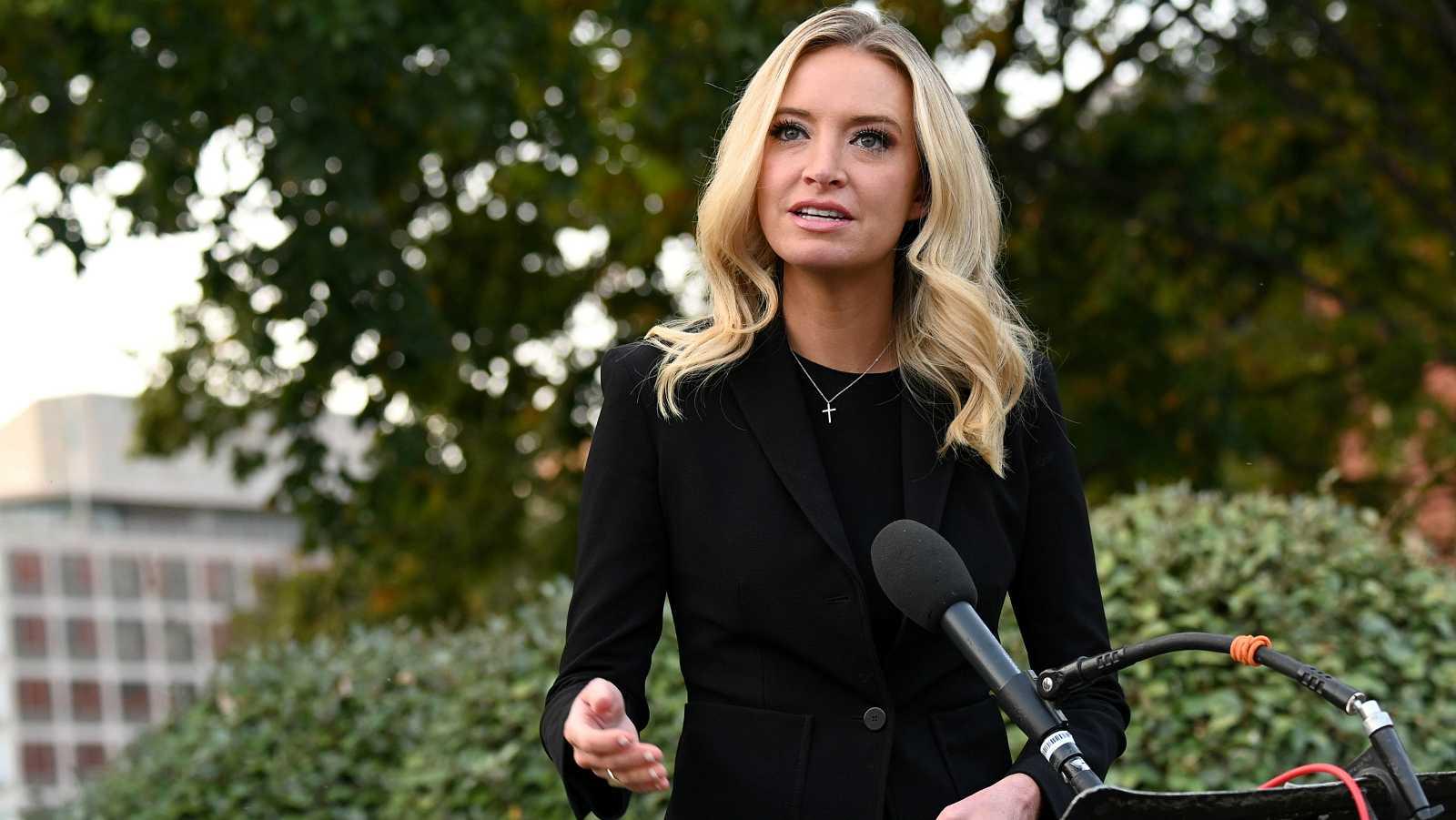 La jefa de prensa de la Casa Blanca da positivo por COVID-19